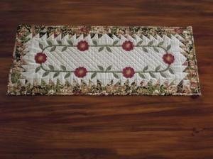winter rose table runner