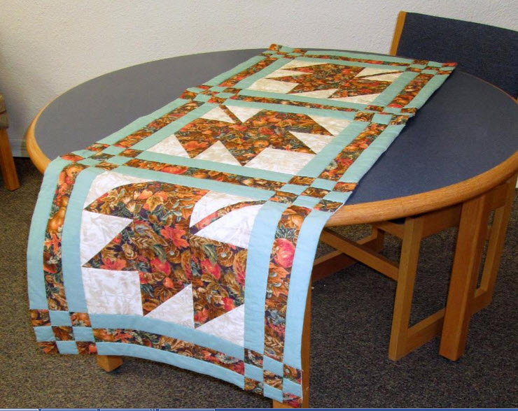 10 Quilted Table Runner Patterns – And one is for Jelly Rolls!
